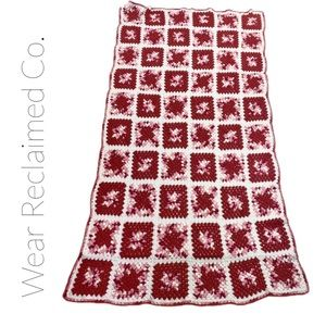 VINTAGE Granny Square Afghan in Pink & White. Twin